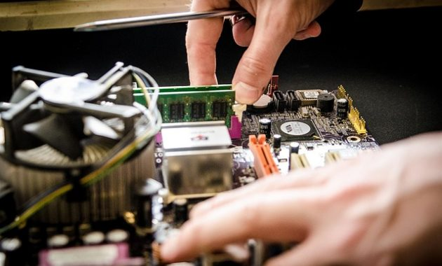 diy repair electronic photo images 630x380 The Love between People and Home Electronics Repair
