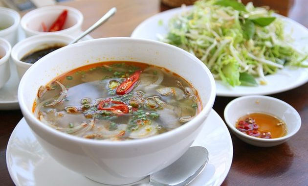 vietnamese pho noodle soup delicious 630x380 9 Best Vietnamese Foods Restaurants with Signature Style in New York